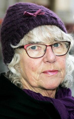 Maud Asplund,70 år, Östersund:– Nej, det är ju så farligt säger de lärde. Senast på morgonteven tog upp det här med ostkaka gjord på opastöriserad mjölk. Folk har blivit sjuka, även om ingen dött.