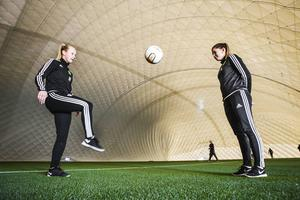 Matilda Wennberg och Jonnah Tönners spelar i division 1 med sitt Ljusdals IF nästa år. De tror att den nya hallen är en förutsättning för att ta nästa steg.