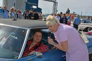 Pink La Rose intervjuar Johan Nilsson, som åkte i en Impala från 1971.
