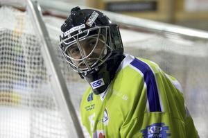 Abbe Bodin spelade senaste säsongen i Kalix. Nu står det klart att han fortsätter karriären i Skutskär i division 1.