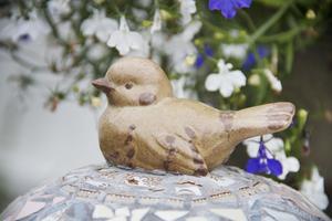 Fågel i keramik.