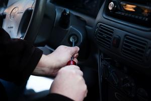 Förut var det vanligt att bilstölder gjordes med hjälp av en skruvmejsel. Så är det inte längre.