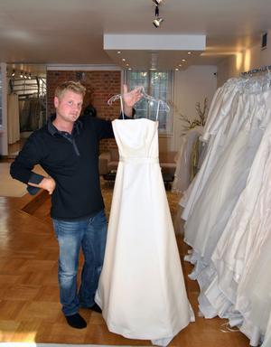 Mattias VAL. Mattias Martinell fick naturligtvis även välja klänning åt sin brud. Om hon blev nöjd? Det visar sig i tv i kväll klockan 21.