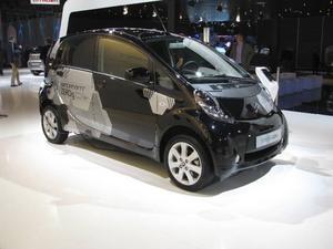 Storstäderna är elbilarnas självklara marknad, som denna Citroën C-Zero, som inte släpper ut någon koldioxid - ur avgasröret. Hur det blir med elbilar som kör med kolkraftström blir en annan femma.