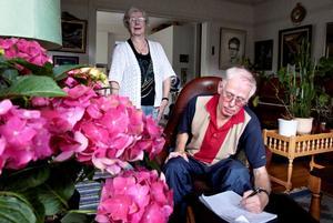 Dennis Lundmark, här tillsammans med hustrun Ing-Marie, är pastor inom pingströrelsen och har drabbats av ALS.