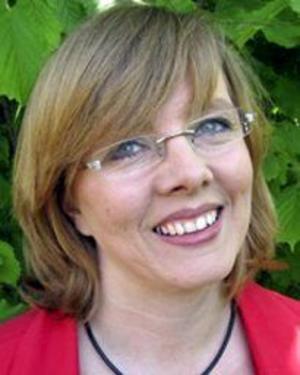 Får inte vara med. Jeanette Rapp sitter i Lindesbergs kommunfullmäktige för Vänsterpartiet. Jan Rylander är en av Norapartiets ledamöter i fullmäktige. Nu får de inte vara med och bestämma längre.