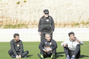 Poya Asbaghi, Rawez Lawan och Mesut Meral på Dalkurds träningsläger i Spanien 2016. Bakom dem står lagläkaren Anders Dahlman.