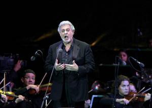"""""""Att bli hedrad av en så framstående kollega betyder allt för mig. Birgit personifierade musikalisk excellens"""", säger Plácido Domingo  Foto: Kent Gilbert"""
