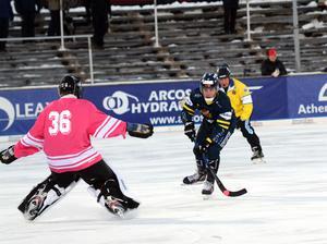 Fredrik Eriksson gjorde första målet för Falu BS i årets serie.