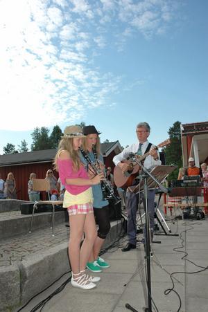 FIN DUO. Linnea Tröjbom Berggren och Sara Eriksson spelade