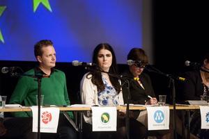 Göran Hådén (MP) och Elin Nilsson (M) fick både jubel och applåder efter sina öppningsinlägg i EU-debatten.