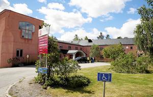 Den integrativa vårdens flaggskepp, Vidarkliniken i Järna, ska stänga. Foto: Mathias Jonsson