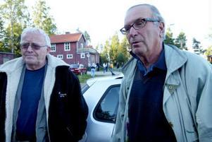 Olof Montelius och Thomas Felländer anser att det är kommunens ansvar att ta hand om hamnen i Löran, mycket med anledning av att det är en turistattraktion.