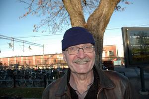 Hasse Lundholm, 69, pensionär, Karlholm.– Jag tycker den är bra. Det mesta finns här. Däremot kan man lansera företagen bättre.