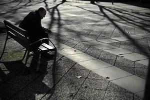 Vi pratar ofta om arbetslösa men inte lika ofta med personerna själva, skriver debattörerna.