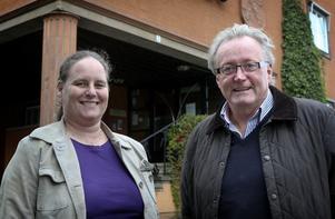 Birgitt Bertram och Christer Rosén strax innan presskonferensen i stadshuset, där de storvulna planerna på ett hotell- och spabygge i Säfsen presenterades. Foto:Peter Ohlsson