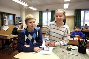 12-åringarna Adam Ågren och Trine Lundbäck som går i årskurs sex på Strömsbro skola ska snart få betyg för allra första gången.– Det känns lite nervöst eftersom man aldrig fått det tidigare, säger hon.