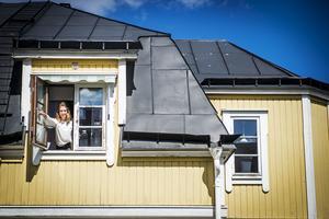 Eleni Apostolakis och hennes man Patrik föll direkt för huset och lägenhetens charm.