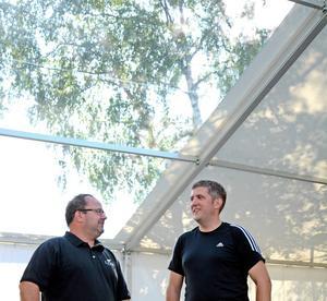 Claes Persson och Tomas Isaksson är veteraner på Stråket och har drivit både tält och snabbmatsställen tidigare. Deras älgwrap är en klassiker.