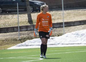 Målvakten Hannah Clark liksom hela IFK Timrå hade en tuff söndag i Umeå.