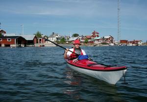 Carina Säker i hennes kajak sommaren 2009. Hon har varit paddlare i fem år – och nu ser hon fram mot att paddlarintresserade får en egen förening.