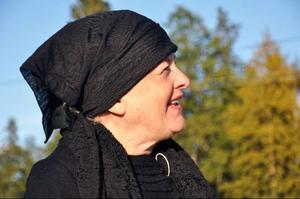Manusförfattarinnan Anna-Greta Svärd spelar Lappkungens mamma, den viljestarka Movålls-Kirsti.