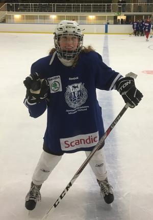 Levina Ringdal gjorde J/H:s första mål i resan mot Stålbucklan.