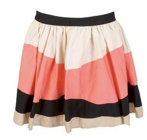 Bredrandig kjol i liten och puffig modell, Only, 359:95 kronor.Foto: Nicklas Dahlskog/VeckoRevyn