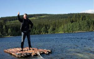 """Producent Henrik Møller-Sørensen gillar miljöerna kring Åre. Den 8 augusti startar inspelningen av den danska biosuccén """"Far til fire"""". Det är framförallt forsränningsscener som ska spelas in i Åretrakten."""