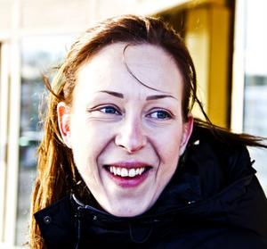 Carola Sadinmaa, 26 år, undersköterska, Ljusne- Jag är väldigt mycket för kvinnors rättigheter i samhället. Jag var engagerad i Feministiskt initiativ och Botkyrka tjejjour tidigare när jag bodde där.