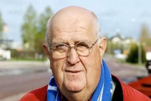 Börje Lindblom, 66 år, skalar bort delar av sin mångfacetterade verksamhet. Så nu kan Sundsvalls GIF:s ständige supporter och sponsor se ännu fler matcher live.