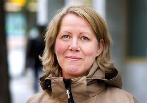Maria Gästgivars, Östersund–Jag håller på att letar efter en morsdagpresent just nu. Jag ska åka med min mamma och hälsa på mormor i Åre, så vi ska fira alla tre tillsammans med en middag.