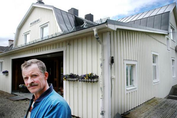 Bertil Sivertsson avgick som kyrkofullmäktiges ordförande i protest mot den planerade försäljningen av Fridsborg.