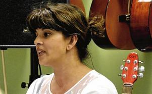 Semitha Sjöqvist, musiklärare Karlsängsskolan Nora barn-kören Sångklubben alla-kan-sjunga-kören Lékören.