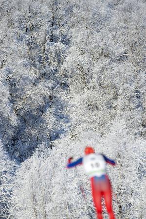 En bild från Bruksvallarna, där Sverigepremiären på längdskidor avgjorts i flera år. Nu ska det även bli ett långlopp i Härjedalsorten, närmare bestämt på lördag.