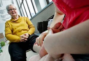 """Barbro Jönsson passade på att unna sig flera olika behandlingar, bland annat zonterapi.""""Nu är jag så avslappnad"""", säger hon."""