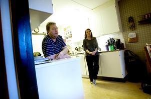 Mia Karlsson donerad en av sina njurar till maken Hans-Erik Karlsson som har en obotlig njursjukdom.