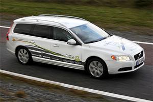 Volvo V70 PHEV klarar upp till 50 km på enbart el. När battteriet är urladdat startar dieselmotorn.
