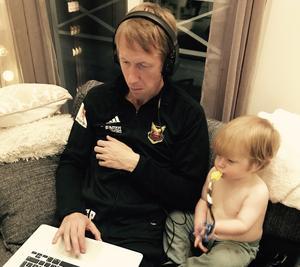 Graham Potter tillsammans med sin son Sam.
