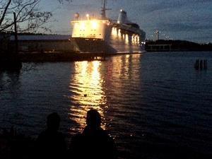 Asylfartyget Ocean Gala lämnade Utansjö på kvällen den 3 november.