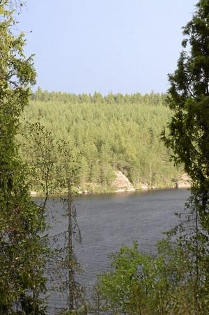 Åskoväder över Snårsjön.