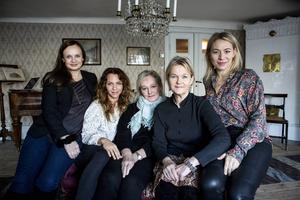 """Skådespelarna Maria Kulle, Sofia Ledarp, Lena T Hansson, Sissela Kyle och Frida Hallgren från tv-serien """"Fröken Frimans krig""""."""