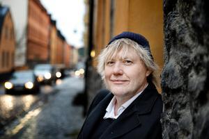 Anders Jacobsson har skrivit böckerna om Bert tillsammans med Sören Olsson. Han är också en av manusförfattarna bakom tv-serien