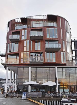 Hotel Lofoten Suites är ett litet lyxigt boutique-hotell som man kanske inte förväntar sig finna i en stad som Svolvaer.   Foto: Jesper Zacharias