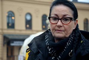 Aina Skoglund kräver insatser från politikerna för att stoppa ökningen av droganvändningen i Sundsvall.