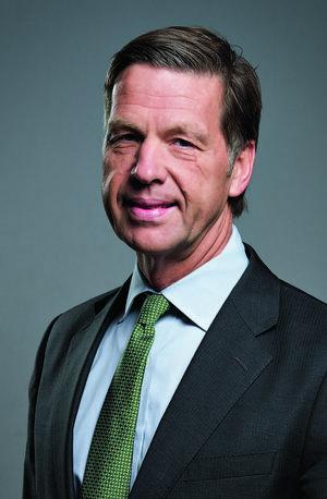 Claes Boustedt, utpekad som storägaren Fredrik Lundbergs