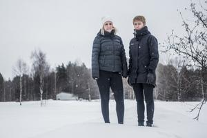 Birgitta Gransten och Susanne Brunnsberg är två utav dem som skickat in ett medborgarförslag till kommunen. Utanför medborgarhuset i Sveg finns en orörd yta.
