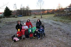 I området runt den borttagna lekparken i Norrlimsta finns minst 30 barn som brukar utnyttja området.