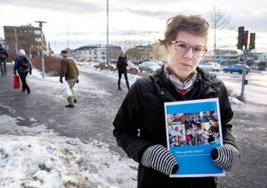 Frida Hansson ser fram emot att sammanställa resultaten från enkätundersökningen.