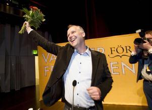 På Vänsterpartiets kongress i Uppsala valdes i går till ny partiledare riksdagsmannen Jonas Sjöstedt. Han var tidigare metallarbetare i Umeå och EU-parlamentariker.Foto: FREDRIK SANDBERG/SCANPIX